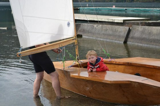 s-12 sailing dinghy - fast build in plywood and light