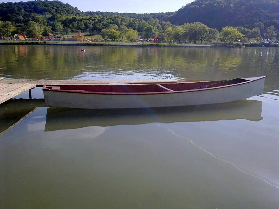 quick canoe electric hungary 2014 03.jpg