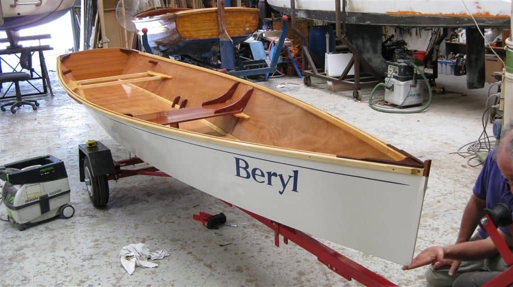 15 1/2 ft Rowboat – easy pretty plywood rowboat by Storer Boat Plans